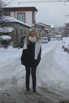 white pull&bear scarf - black Motivi coat - black Zara boots - black Zara gloves