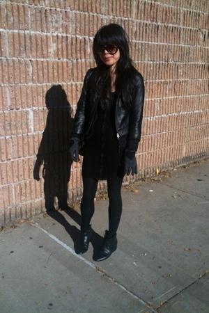 H&M jacket - Jamison skirt - Moschino gloves - 8020 boots