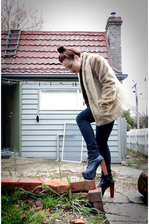 beige vintage coat - black Jeffrey Campbell shoes - black Mooks jeans
