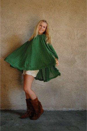 bronze fringed Minnetonka boots - green pleated H&M dress - cream crochet thrift