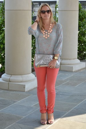 light pink H&M necklace - silver tory burch bag - Chanel sunglasses