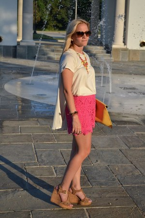 hot pink sabo skirt shorts - yellow asos bag - Chanel sunglasses