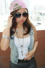Heather-gray-new-look-boots-heather-gray-splash-shorts-ray-ban-sunglasses-