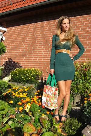 brown H&amp;M belt - blue mary jane pumps shoes - green sweater Tally Weijl dress