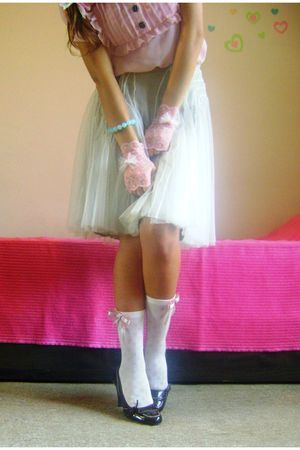 white handmade socks - pink handmade gloves