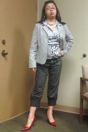 Target blazer - Knicker thrifted pants pants - Agaci blouse - Crocodile print ou