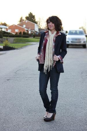 dark brown Bamboo wedges - navy thrifted vintage blazer - off white Bass scarf