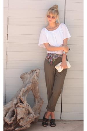 H&M pants - pika 1988 blouse - vintage scarf - vintage accessories - vintage pur
