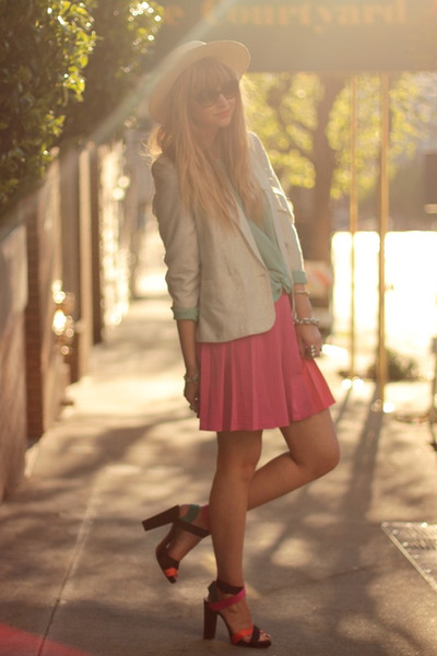 hot pink H&M skirt