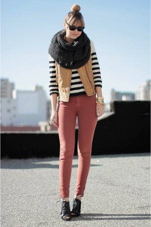 black H&amp;M sweater - charcoal gray Zara scarf - mustard Zara vest