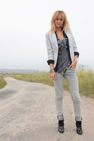 gray H&amp;M blazer - black Volitile shoes - gray Forever 21 jeans