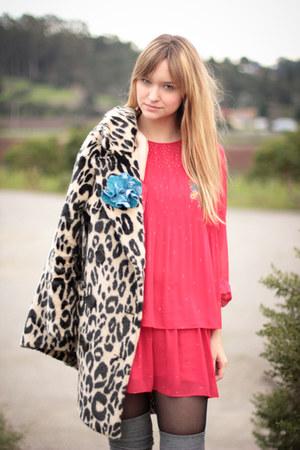 red We mive vintage dress - tan H&M coat