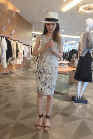 white neoprene Zara skirt