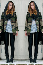 studded DinSko boots - camouflage jacket - hood GINA TRICOT scarf