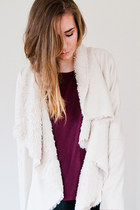 fur Chicwish cardigan - burgundy H&M t-shirt