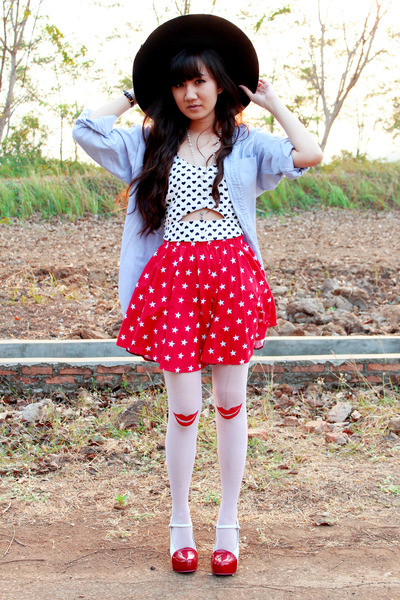 ivory bralet top - black floppy hat - periwinkle shirt - red star printed skirt