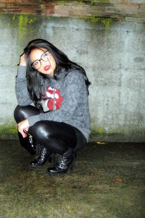 gray H&M sweater - black Mossimo top - black Forever 21 leggings - black vintage