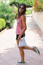 Converse sneakers - vintage bag - Zara shorts - asos sunglasses - H&M t-shirt