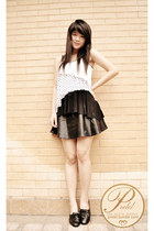 white asymmetrical Forever 21 top - black leather romwe skirt
