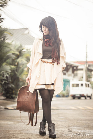 camel trench coat romwe coat - eggshell thrifted dress - black romwe tights