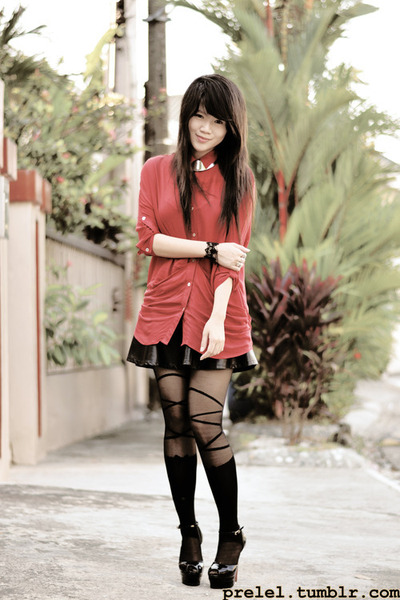 black ballerina romwe tights - black lace romwe bracelet - red collar romwe top