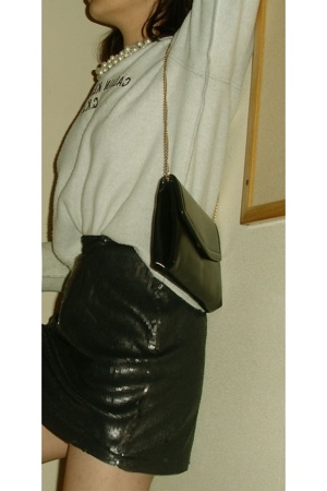 black gold chain bag - black shoes - gray calvin klein sweater