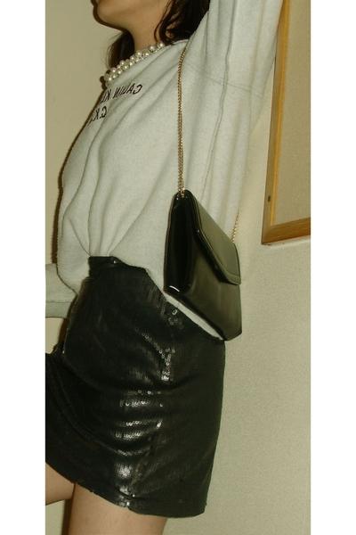 black gold chain bag - black shoes - gray calvin klein sweater