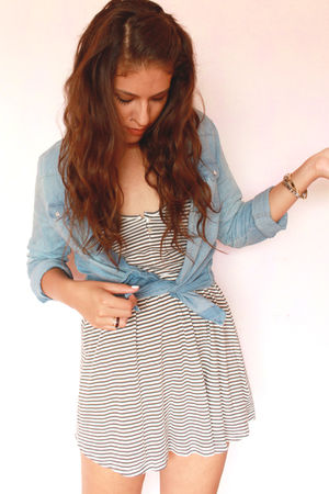 blue pull&amp;bear shirt - gray Zara dress