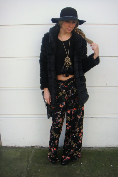 black faux fur Newlook coat - black Newlook hat - black Primark pants - black H&amp;