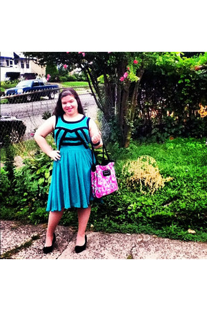 turquoise blue Forever 21 dress - hot pink floral print Betsey Johnson bag