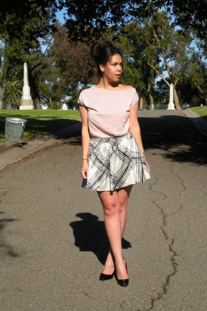 Go International skirt - Zara top - cavallini heels