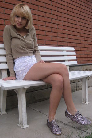 silver Anniel shoes - white American Apparel shorts - brown Guess cardigan - bei