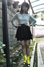 White-united-colors-of-benetton-top-black-orange-skirt-blue-swatch-accessori