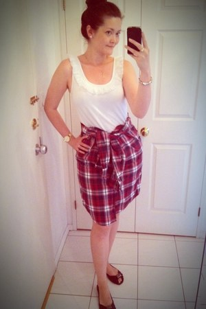 white H&amp;M top - maroon H&amp;M skirt