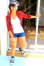 Red-dv-white-moms-closet-shirt-blue-kashieca-shorts-black-converse-black