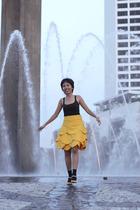 yellow Retail Therapy skirt - yellow vinci shoes - black foxy lady top