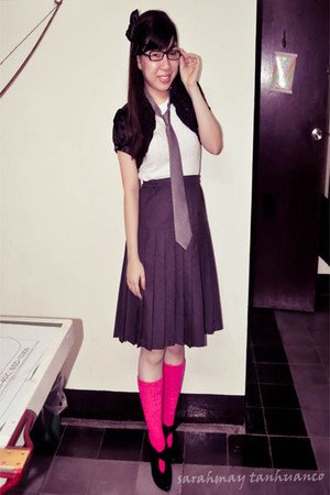 black cardigan - black boots - pink socks - gray skirt - white top