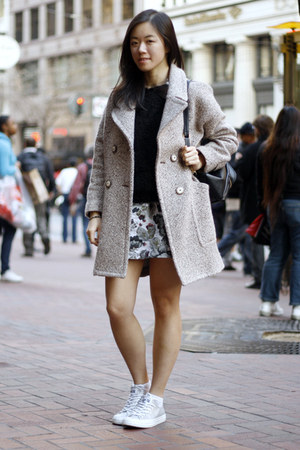 beige Zara coat - black H&M sweater - black Style Sofia bag