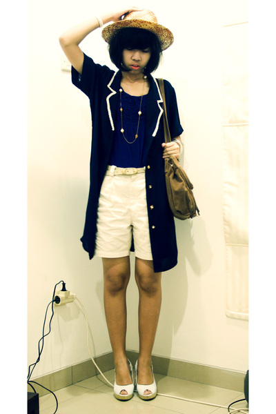 blue blazer - orange Saung Angklung Mang Udjo hat - white shoes