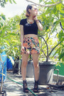 Aviator-mango-sunglasses-floral-print-chloe-room-shorts
