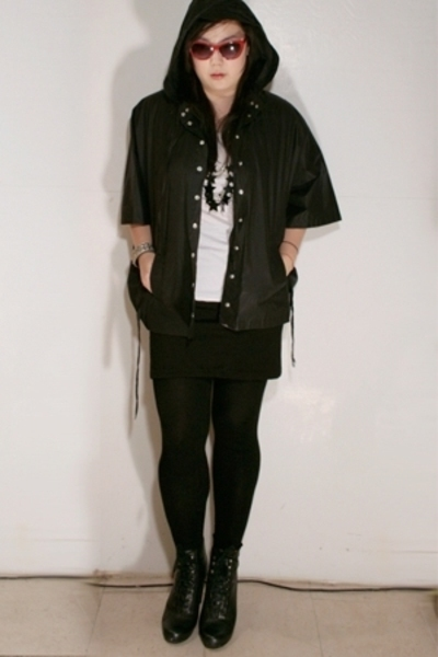 Kerrigan jacket - H&M skirt - Jeffrey Campbell boots - H&M t-shirt