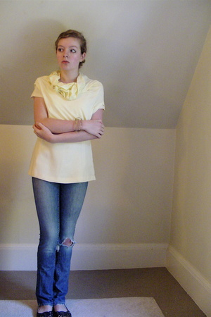 Splendid t-shirt - Secondhand top - salt works jeans - Urban Outfitters shoes