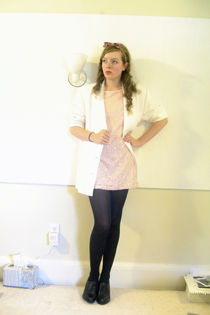 H&M dress - CVS tights - Nine West shoes - DIY accessories