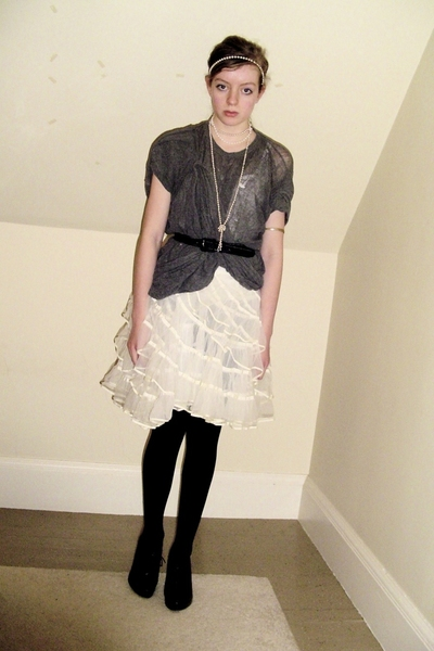 DIY t-shirt - thrifted necklace - vintage skirt - CVS tights - Nine West shoes -