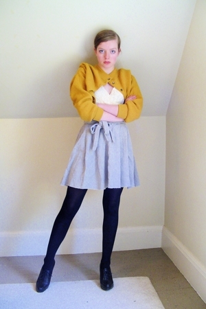 yellow vintage sweater - black Nine West shoes - black CVS tights