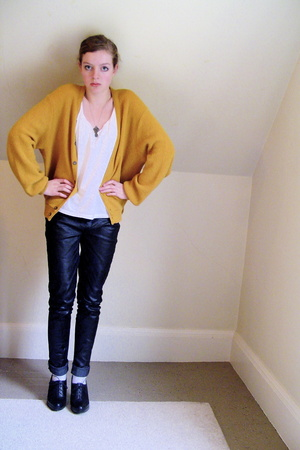 vintage sweater - top - DIY jeans - socks - Nine West shoes - necklace