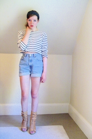thrifted top - secondhanddiy shorts - Steve Madden boots - H&amp;M accessories
