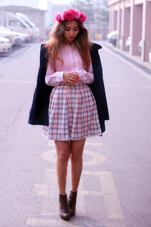 light pink Boohoo skirt