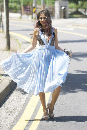 sky blue chiffon Chicwish dress - peach new look heels