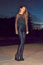 black vintage top - dark gray American Apparel leggings - black Bakers wedges